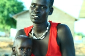 Displaced women and her malnourished child in Agok/South Sudan (May 2008)