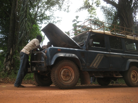 At the border between South Sudan and the Central African Republic: our car broke down (South Sudan, 2012)