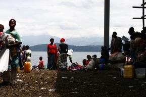 Market on the share of Lake Kivu (2016)