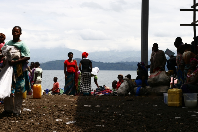 Market on the share of Lake Kivu (2016)
